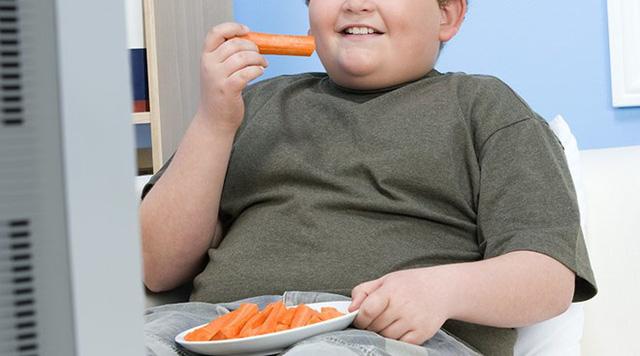 khi vượt ngưỡng này trong tầm 18,5 - 24,9 tức là bạn đang bị thừa cân.